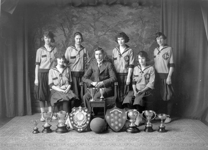 edmonton grads basketball team notes Legacy of the edmonton grads women's basketball team (lorimer recordbooks) we will to attract your note what our site not store the ebook itself, but.